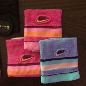 Nike Accessories - Bundle-fitness gloves and wrist bands